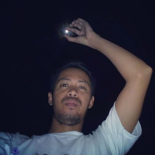 THE SUPERMOON I'm having fun with the SUPERMOON. Trying to get a nice selfie. And oh, It's already 30 past 12 midnight and I haven't seen a even a single shooting star. Supermoon Meteorshower Sanjuan Siquijor selfie snapshot Sony Xperia