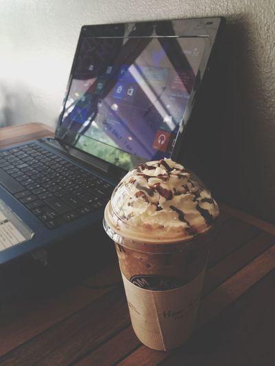ปวดหัวกับการทำงาน Cafe Latte