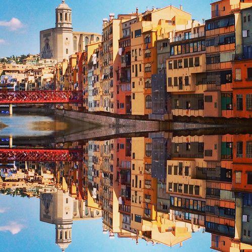 Girona Gironamenamora Gironaemociona Streetphotography Street Photography Color Photography EyeEmBestPics EyeEm Best Edits EyeEmBestEdits