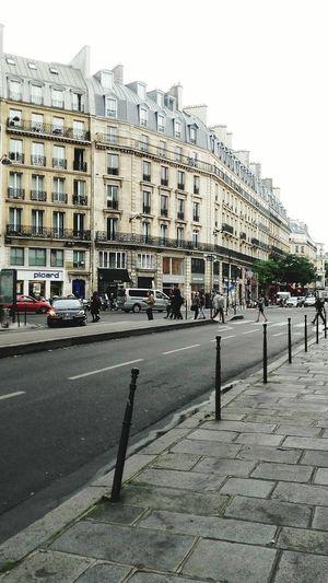Paris ❤ Paris Je T Aime Parisian Parismonamour Parisienne ParisianLifestyle Chatelet Châtelet Les Halles Paris Ruesdeparis Travel