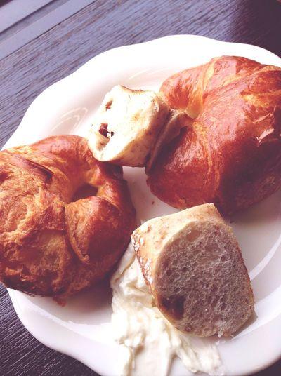 クロワッサン ベーグル クリームチーズ ばん Bread 先日のペプシ桜、美味しくもなく、不味くもなく、味が薄めでパッとしないというのか、、次は無いな、、という感じ。2流メーカーの微妙な炭酸飲料といえばわかりやすいかなー(笑)見た目は良かった。