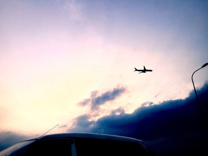 Airplane Flying Journey Sky Low Angle View Travel Cloud - Sky Sunset Outdoors Transportation Roadphotography Road Motorway China Slowdownenjoylife