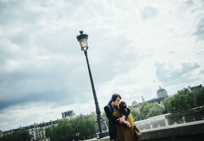Paris Cliche Kiss Love Amour La Seine Capture The Moment Two Is Better Than One