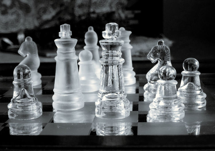Board Game Leisure Games Chess Game Chess Piece Relaxation Chess Board Leisure Activity Strategy Competition Glass - Material Challenge Pawn - Chess Piece King - Chess Piece Close-up Arts Culture And Entertainment Indoors  Large Group Of Objects Still Life Skill  No People Queen - Chess Piece Knight - Chess Piece