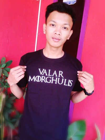 I love this shirt. Birtgift Taking Photos Friendgift Gameofthrones