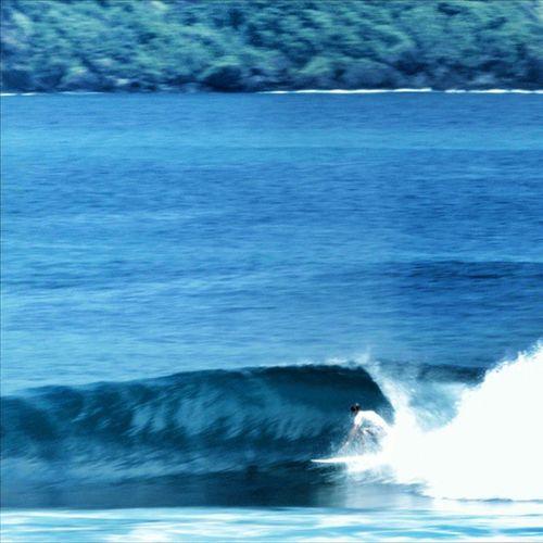Aussie is Killing Waves in Sumbawa at JoJo beach. Dat barrels were fast .👉🌊🌊🌊🌊🏄🏄🏄💓🌎🌍🌏 waves surfing surf asia traveling travelgram vsco instagood hedidthat