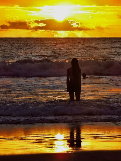 Deleite Sunset Silhouette Reflection Sun Sea Beauty In Nature Sky Vacations Cloud - Sky Summer Nature People Beach Lifestyles Sunlight Water Nature Landscape Tranquility Horizon Over Water Photography Happiness Night Orange Color Sunlight #bahia #pratigi #universoparalello