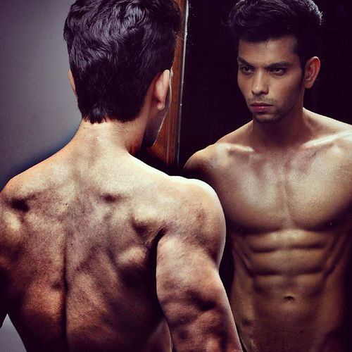Ripped Shredded Muscles FitnessFreak Fitnessmodel Aesthetic Shoot Bodyshot Backmuscles Mirror Abs Muscles Sixpacks Beard Expression Looks Likesforlikes Fitnesspeople ShoutOuts Cleaneating India Model Actor Mymumbai Rugged indoorshootlowlightigdaily