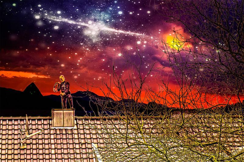Habe ihn gerade aus meinem Büro-Fenster fotografiert, freigestellt, neuen Himmel und Sternenschweif hinterlegt, bearbeitet und zusammengefügt. Hoffe, es gefällt. Astronomy Beauty In Nature Galaxy Milky Way Nature Night Outdoors Schornsteifeger Schornsteinfeger Sky Space And Astronomy Star - Space Sunset