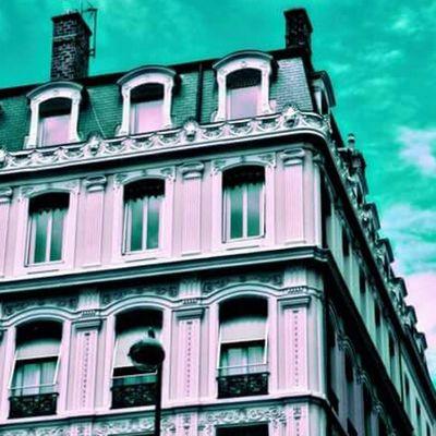 Menthol  Menthe Architecture Haussmann Lyon Street Green Rue Verte Explorationurbaine Urbanexploration Psychedelicsky Ciel Amazing Fou Windows Fenêtre