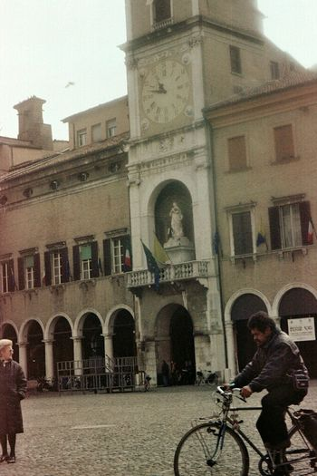 Found and Reused Film. Building Exterior City Architecture Day Architecture_collection Leiblingsteil Filmphotography Modena Streetphotography People Old