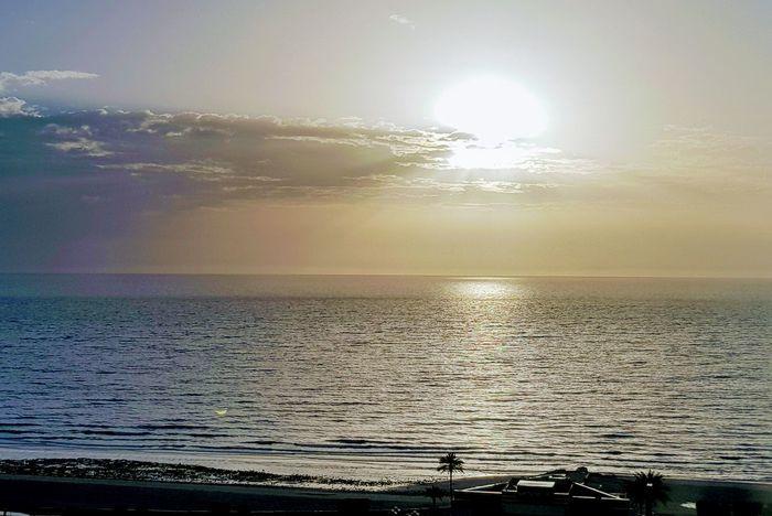 Good morning ، Bonjour ، Buenos dias ، Goede morgen، Καλημέρα ، صباح الخير ، 早安 ، Buongiorno ، Günaydın Sea Beach Water Sunset Beauty In Nature Sun Nature