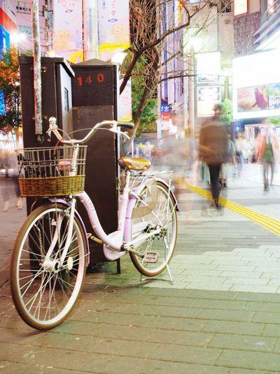 Tokyo parking.⚪️🔴🇯🇵 Bicycle Transportation Street City Tokyo,Japan Japan Photography Tokyo Night Tokyo Street Photography Bicycles Nightphotography