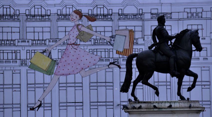 Adult Daylight Horse Men Outdoor Paris People Statue équestre Statue équestre Henri IV
