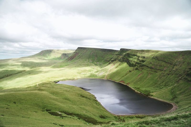 Lakescape LlynYFan Wales UK Walesonline Landscapephotography Welsh Countryside Brecon Beacons
