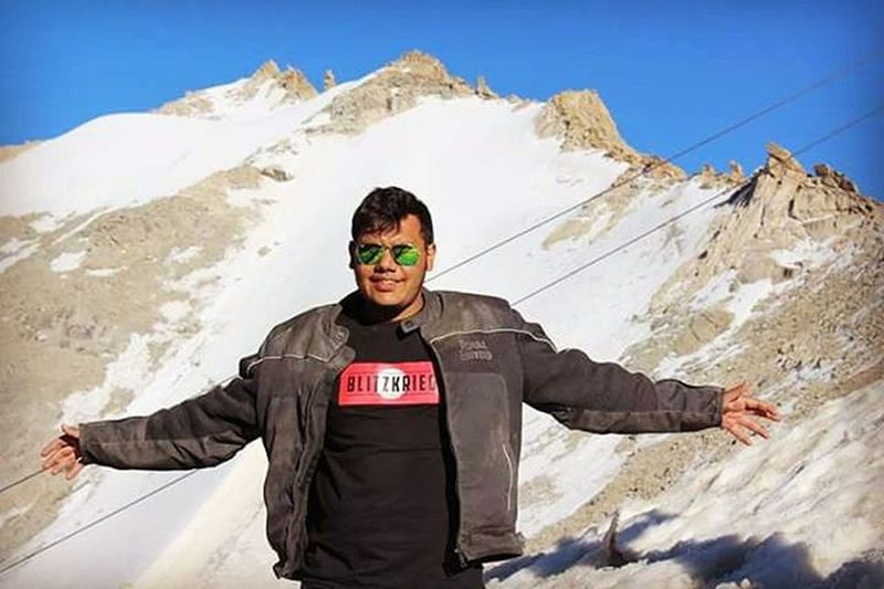 Not taking bath for days,riding all day,staying at world second coldest inhabitant place says alot about adventure. Bikestagram Bikes Royalenfield Bikeride Ladakhdiaries Beautiful Missing DirtyAsHell Kharadungla Brcpune Tan Bikelife