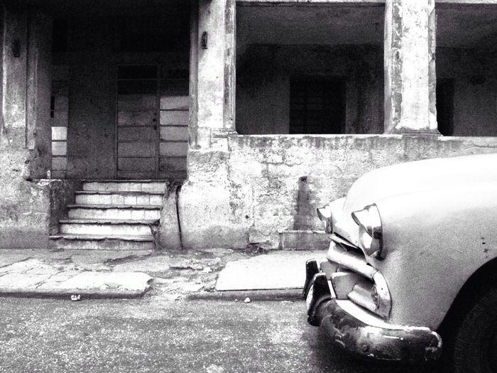 A black and white piece of Havana, Cuba Beautiful Surroundings Streetart Cuba