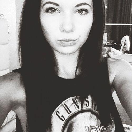 Hello World Enjoying Life That's Me Black & White