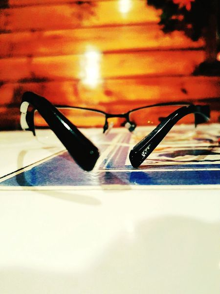 Seeing the world through my glasses... Eyeglasses  Converse Ramdom At The Restaurant Ramdomshots