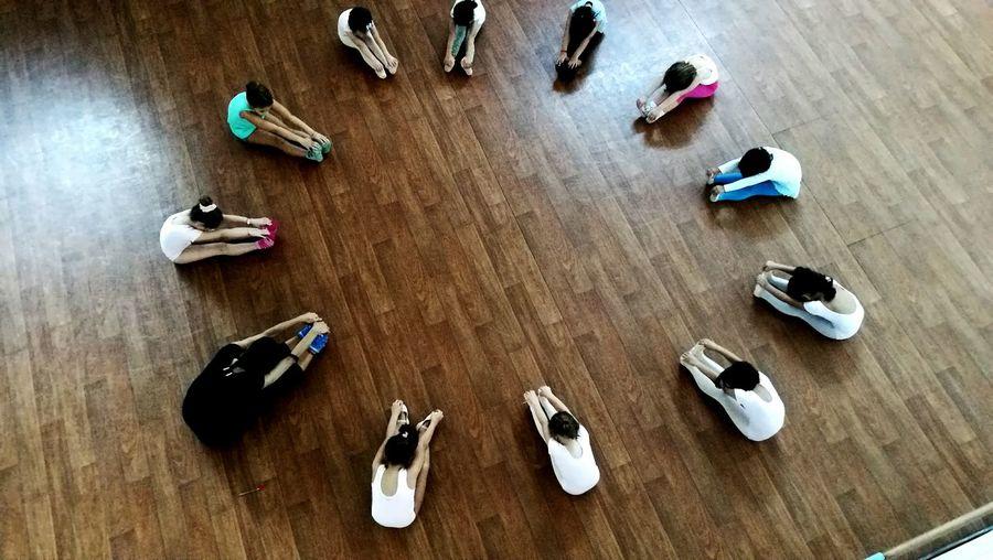 Queste piccole danzatrici hanno un sogno spero che a ognuno di loro gli si averi..forza piccole 😁 Danzaclassica Danza Piccolegioie Scuola Di Danza Petite Bailando ❤✌ DANCE ♥