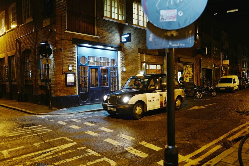Rivington Bar Grill, Shoreditch. London, October 2016 Night Street London Shoreditch London Lifestyle City Street London Cab Streetphotography Street Photography Streetphoto_color Leicaq