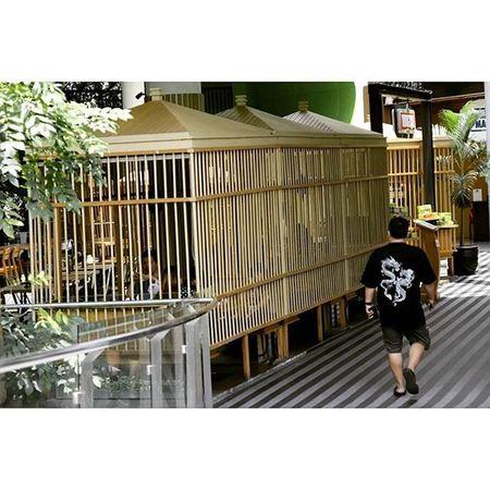 Having lunch in the cages. Kaya burung nih... Cage Sangkar Restaurant Ciwalk Nice Photooftheday