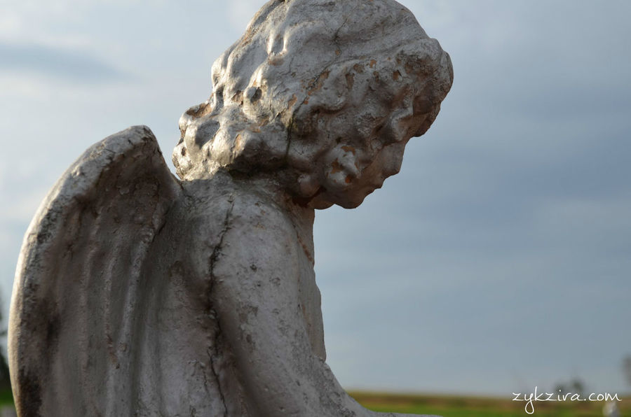 Astimegoesby Taking Photos Hello World Taking Pictures Deterioration Cemetery_shots Cemetery Angels