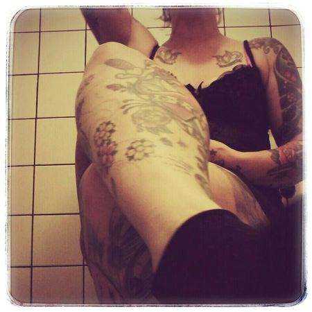 Inkedbabes Inkedsexy Girlswithtattoos Tatted Bombshell Grandma Inkedgrandma That's Me Selfie Taking Photos