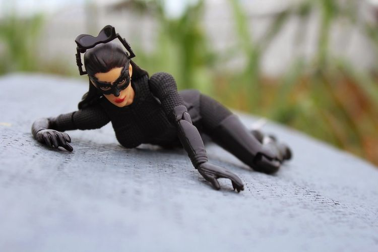 Kitty wants to play... Catwoman Thedarkknightrises Selinakyle AnneHathaway Mafex