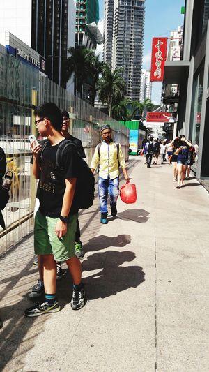 Battle Of The Cities Bukit Bintang Klcity Malaysia HotSun Hotweather Walkunderthehotsun ThisIsMalaysia