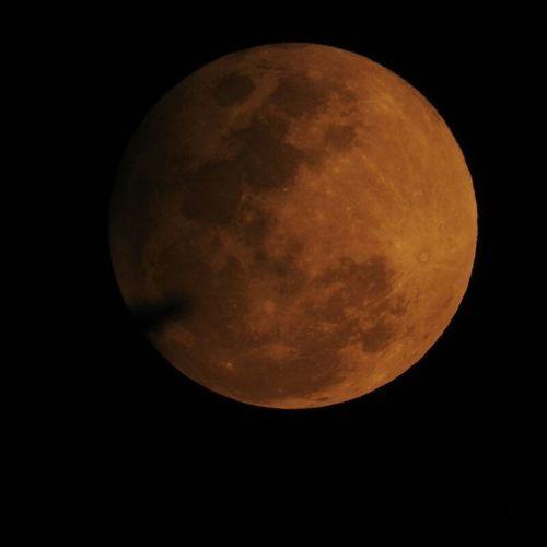Eclipse penumbral de luna 10/febrero/2017 18:45 hrs CDMX Eclipse Lunar Moon Space Exploration Eclipsedefebrero Eclipsedeluna2017 NikonCoolPixP610 Full Moon Night Eclipsepenumbraldeluna Cdmx