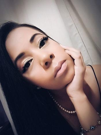 Bigeyes Modern Tranquility Me Lipgloss Biglips Young Women Beauty Makeup Selfportrait Selfıe Filters The Portraitist - 2017 EyeEm Awards