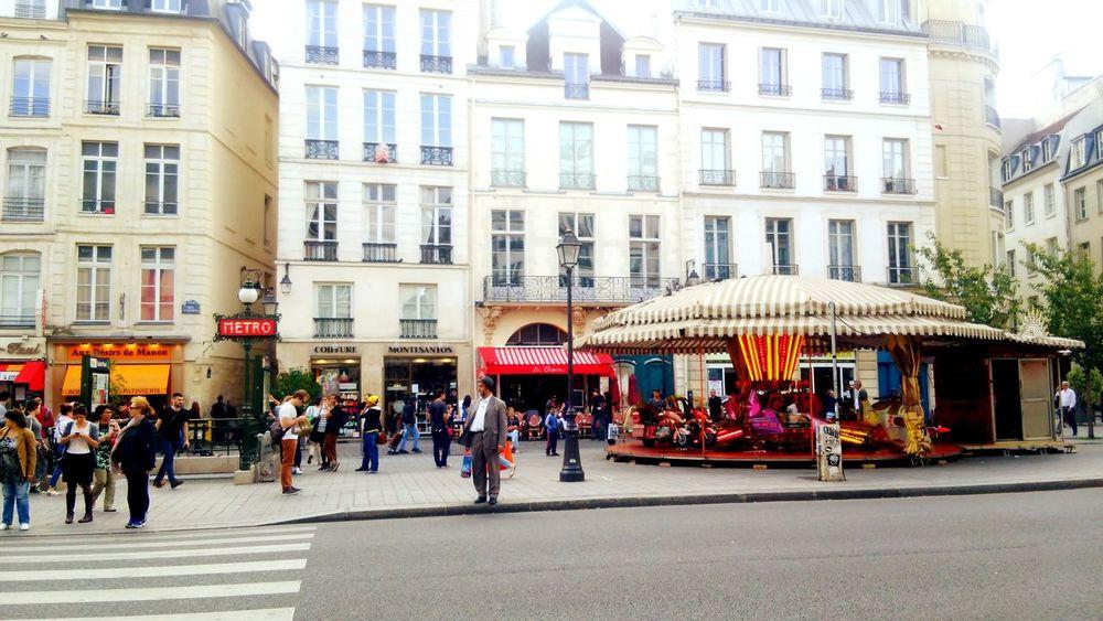 France Marais Merrygoround Travel Station