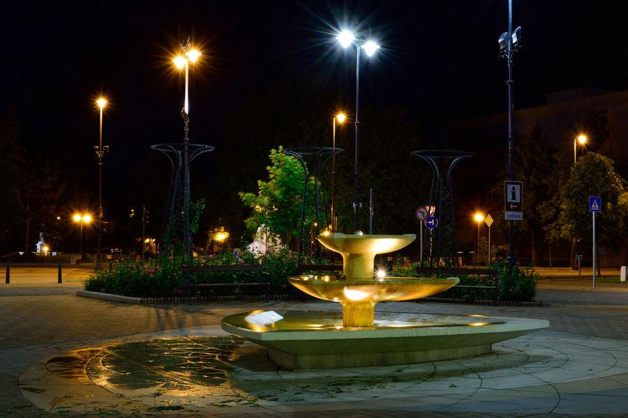 Fountain Light Long Exposure Night Nikon Nikon D3300 Nikonphotography Outdoors Street Light Cities At Night Békéscsaba Békésmegye Hungary Szent István Tér