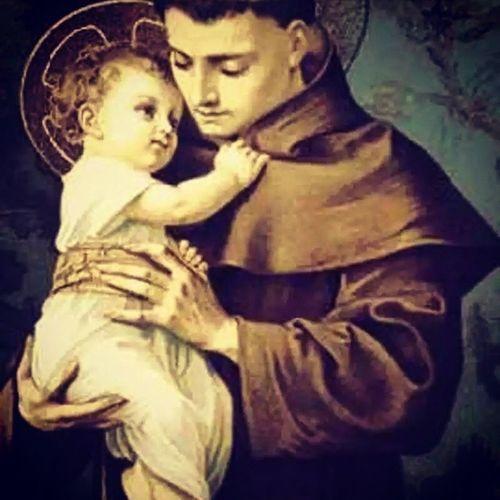 """""""Bendito seja Deus em seus Anjos e em seus Santos"""" Santo Antônio, rogai por nós, amém. DiaDeSantoAntonio 13deJunho Sextafeira13 DeusNoComando FéEmDeus"""