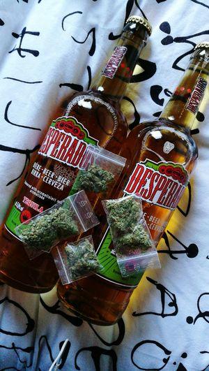 Drogen Gras  Weed Weed Smoker WeedPorn Desperados Bier