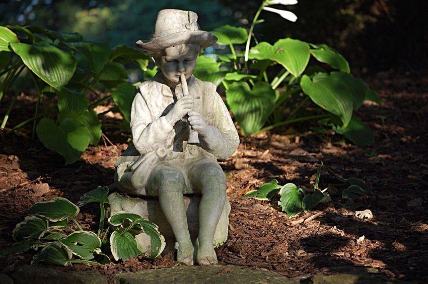 Outdoors Sculpture Statue Garden