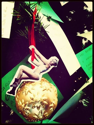Miley Cyrus send you his Marry X'mas, from his WreckingBall