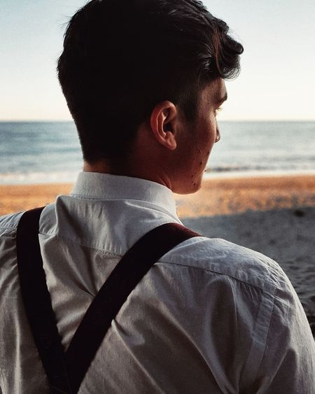 Elégance Shirt Shoulder Strap Beach Only Men Sea One Man Only One Person Adult Adults Only Men Water Portrait First Eyeem Photo Horizon Over Water Beauty In Nature People Lifestyles Sky