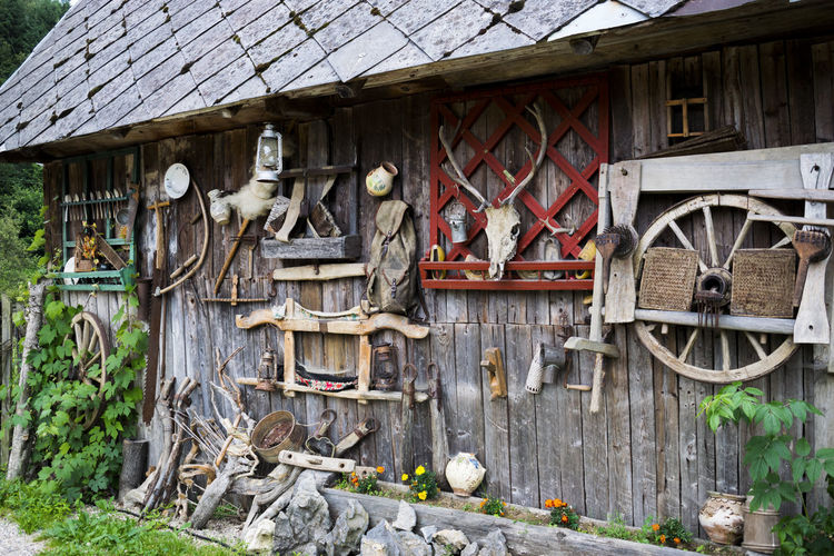 Abundance Architecture Architecture Details Bad Condition Broken Built Structure Damaged Day Decor Decoration Deterioration EyeEm Gallery No People Obsolete Old Old Buildings Old But Awesome Old Fashioned Old House Order Outdoors Run-down Wood - Material Made In Romania The Magic Mission