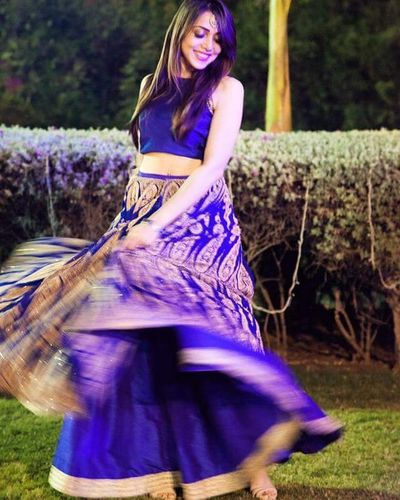 sizzling @jank_ee in this gorgeous blue outfit in Ahmedabad India Singers Indiansingers Beautifulindianbrides Indianjewellery Indiandresses Indiandress Bluelehenga Lehenga Weddingseason Wedding Ayushdas MemorableWeddings Coloursofindia Incredible_india Incredibleindia Candid Weddingphotography Beauty Indianbeauty
