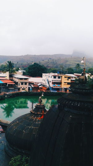 the holy place - trimbakeshwar EyeEm Selects Temple Architecture Architecturelovers VSCO Vscoedit First Eyeem Photo Holy Place Maharashtra Holy Templephotography Holylake Houses Clouds Mountains Culture And Tradition India Indian Culture  India_clicks Outdoors Rural Ruralphotography Hillside Hilly Area Trimbakeshwar The Traveler - 2018 EyeEm Awards Water City EyeEmNewHere