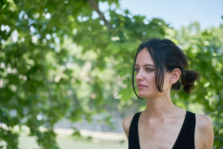 Close-up Day Focus On Foreground Headshot Ilenia Cipollari Ileniachipollari Nature One Person Outdoors People Real People River Rome Tevere Tree Young Adult Young Women