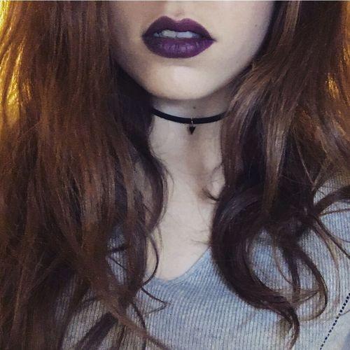 """Mais quand j'te vois ça fait des flash dans ma tête"" Long Hair One Person Young Women Females Lipstick Human Lips One Young Woman Only Nightparty Rasdecou Violet Purple Redhead Fauve Rubadub"