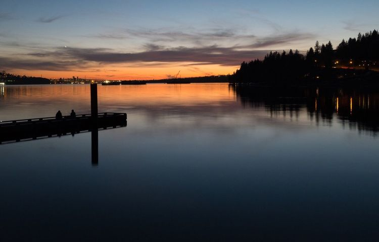 Silky smooth water of the Burrard Inlet last night. The stunning Fujifilm X100T 2s exposure was perfect 👌🏻🇨🇦 X100t FujiX100T Heaven And Earth Fujixseries Vancouverofficial Vancouverisawesome Canada Vancouver BC British Columbia Vancity Vancouver Wanderlust Fujifilm 5YearsofXSeries Myfujifilm Fujifilm_xseries BurrardInlet Northvancouver Catespark Sunset #sun #clouds #skylovers #sky #nature #beautifulinnature #naturalbeauty #photography #landscape