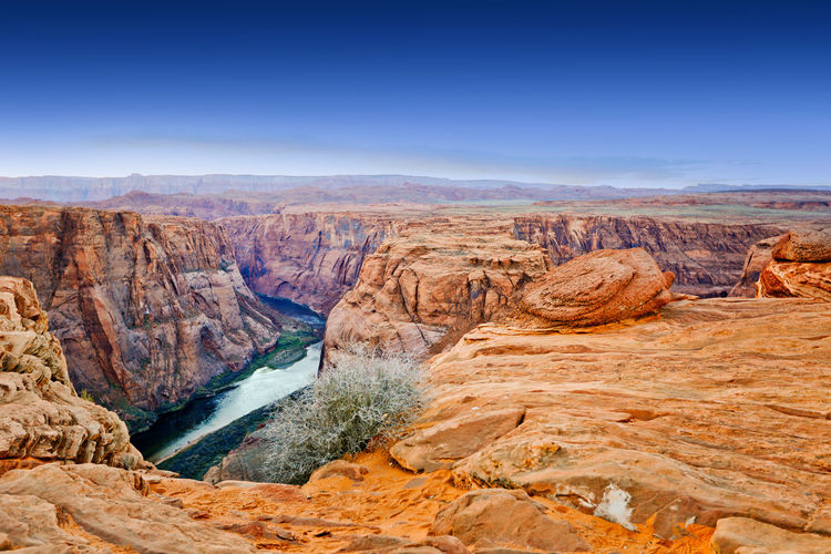 Desert Edge Horseshoe Bend Landscape Outdoors Red Rock Scenic Standing At The Edge Sunset Tourism Tranquil Scene Utah View Neighborhood Map