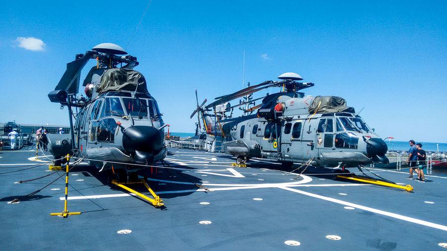 helicópteros da Marinha Helicopteros Marina Marinha Transportation Helicopter Clear Sky Air Vehicle Day Real People Cockpit Outdoors