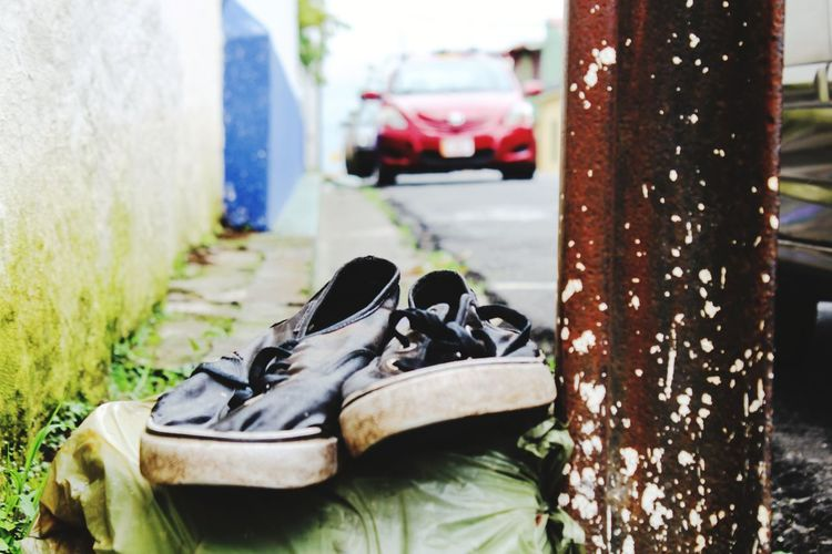 old shoes Shoe Shoes Old Shoes Walking Around Taking Pictures Streetphotography Heredia, Costa Rica Barva Pair Close-up Grass Shoelace Sports Shoe