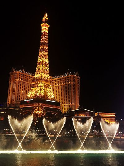 43 Golden Moments ❤️ Bellagio Fountains in front of Paris Las Vegas Las Vegas Eiffel Tower Golden Moments