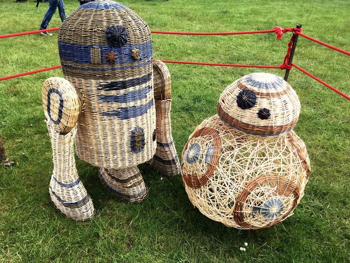 EyeEm Selects Outdoorcrafts Bushcraft Willow Dyes Festival Basket Grass Field Outdoors No People Day Nature Close-up Willowweaving Star Wars Bb8 R2D2 Wood Wood - Material Wicker Art Sculpture